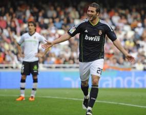 VIDEO REAL MADRID VS VALENCIA 6-3 (YOUTUBE) Higuain Hat-trick 3 Gol Hasil Liga Spanyol 2011