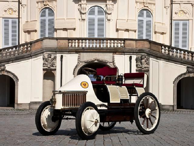 Mobil Hybrid Pertama di Dunia