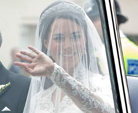 Towards the Church, Kate Middleton Waved Her Hand