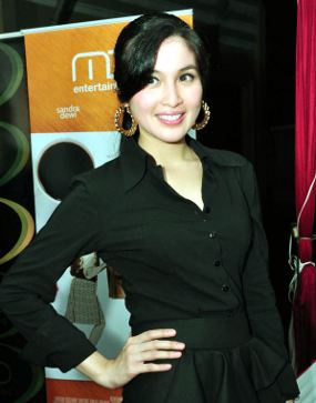 Foto Artis India on Thread Artis Indo Sandra Dewi Tak Mau Dicap ...