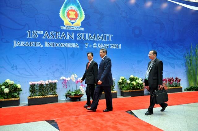 SBY Buka KTT ke-18 ASEAN