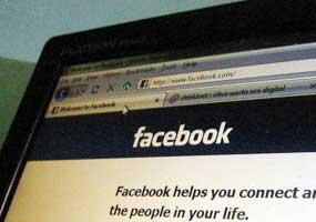 Wanita Malaysia Tertipu Rp 3 Miliar di Facebook