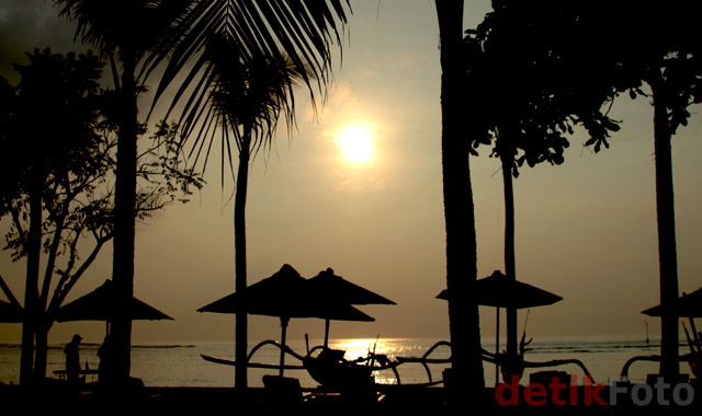 Menunggu Pagi di Bali