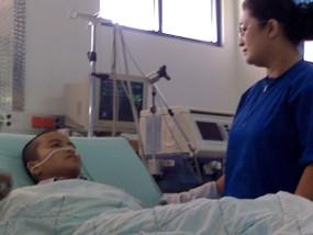 VIDEO KERINGAT DARAH FENOMENA ANEH BIN AJAIB 2011 Youtube Dora Penderita Penyakit Langka