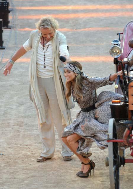Foto Payudara Jennifer Lopez Ngintip di Acara TV Jerman