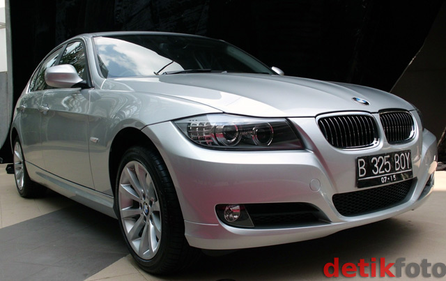 bmw 320i jawa timur html with Bmw 325i Mobil Catatan Si Boy on Detailpost Bmw 320i Le E36 Matic 7356 additionally Detail 87654 BMW 320i 2006 further Jual Velg Bmw E90 9 together with Bmw 325i Mobil Catatan Si Boy moreover Jual Velg Bmw F30.