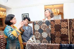 Wow! Batik Indonesia Dipromosikan di Jerman