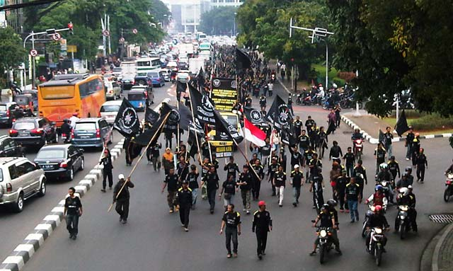 Pendemo Long March, Jl Cikini Macet