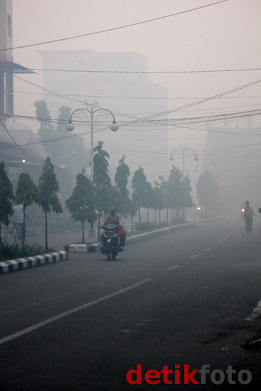 Bagansiapiapi Riau Diselimuti Asap Tebal