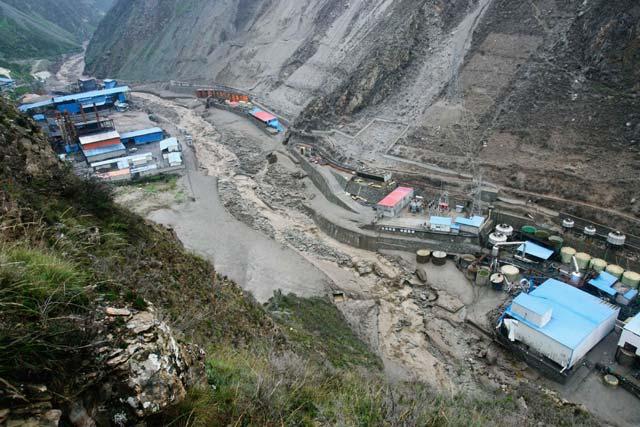 Longsor Terjang Sichuan, China