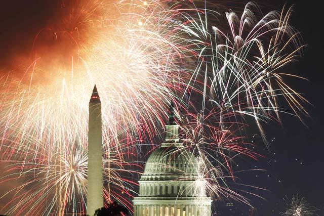 Kembang Api Rayakan Kemerdekaan AS