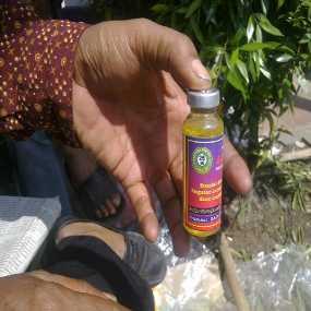 Wuih, Pedagang Obat Kuat Laris Manis Selama Muktamar
