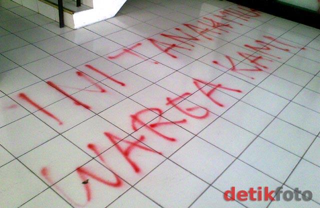 Kampus Maranatha Bandung Dicorat-coret