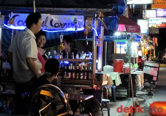 Jalan-jalan Malam di Shukumvit Bangkok