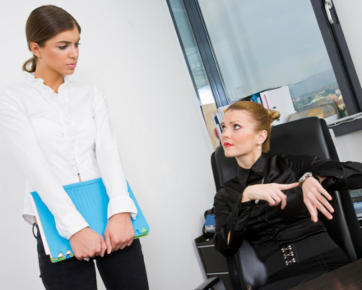 http://images.detik.com/content/2011/07/27/1133/133257_femaleboss362.jpg