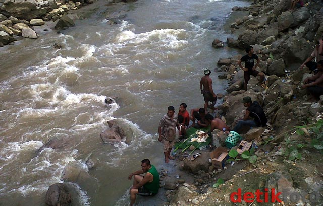 Tebing Sungai Belawan Longsor, 1 Orang Tewas