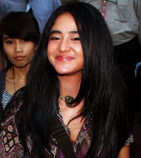 Ramadan, Dewi Persik Tolak Sinetron Stripping | Dewi Persik