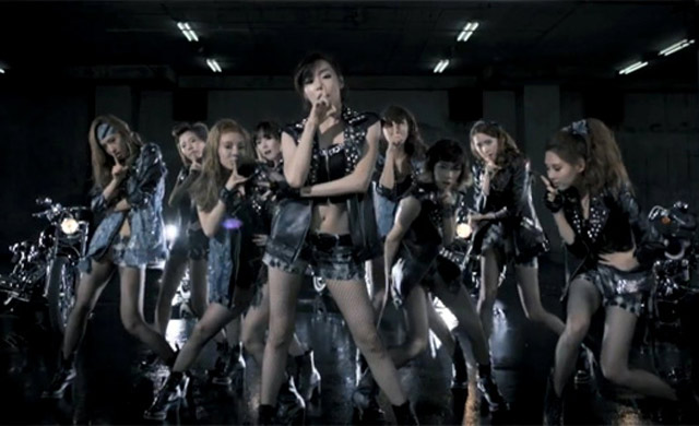 Hot Korea : SNSD Tampil Rebel untuk 'Bad Girl'