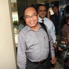 zaenalarifin (Aprizal) luar Kasus Surat Palsu MK, Zaenal Arifin Hoesein Kembali Diperiksa