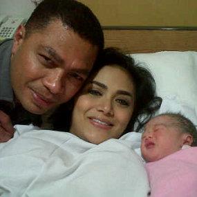 foto Bayi Anak Pertama KD Raul, Foto Putri Pertama KD Raul, Anak Pertama KD Raul 2011
