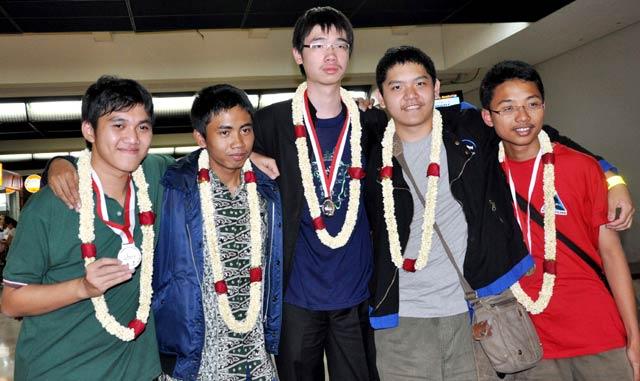 Siswa RI Sukses di Olimpiade Astronomi