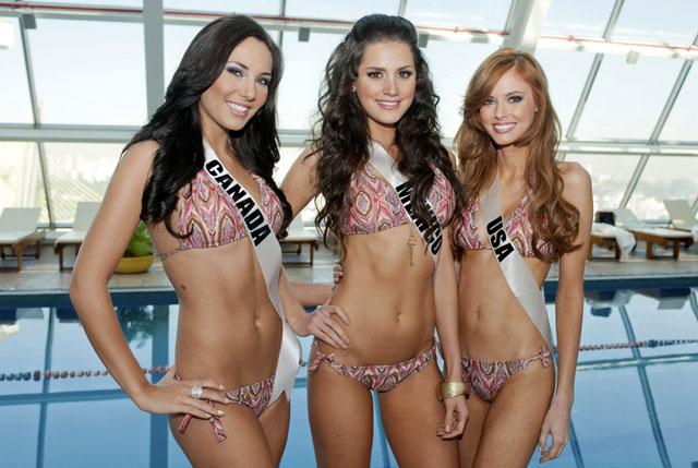 Finalis Miss Universe 2011 Berbikini