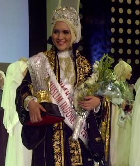 Dika Restiyani, Juara Muslimah Beauty 2011 | Dika Restiyani
