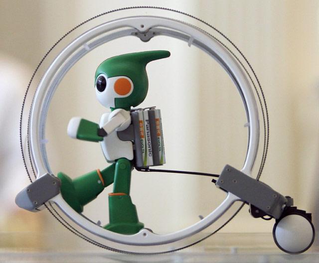Robot Berlari, Bersepeda dan Berenang