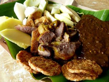Rujak Cingur: Extreme Cuisine Kebanggaan Surabaya