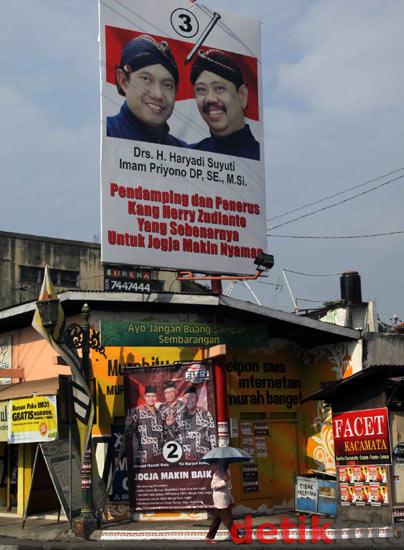 Perang Poster Pilkada Kota Yogyakarta