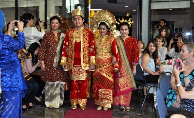 Pernikahan Adat Minang di Houston