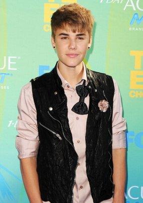 Garap Album Natal, Justin Bieber Gandeng Usher