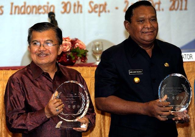 JK Terima Award Perdamaian