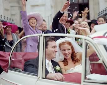 10 Langkah Bebas Stres Saat Menyiapkan Pernikahan