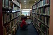 Petugas Perpustakaan Daerah Surabaya Kurang Ramah