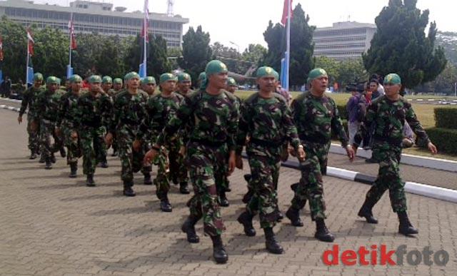 TNI Pamer Alutsista
