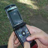 http://images.detik.com/content/2011/10/05/328/smsputri200.jpg