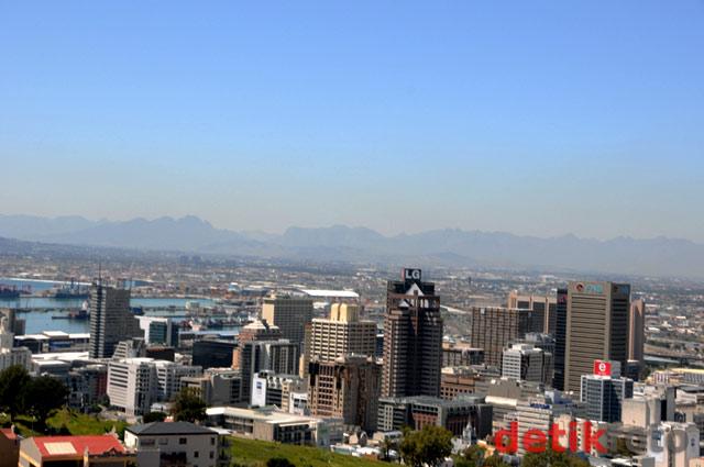 Menatap Cape Town dari Signal Hill
