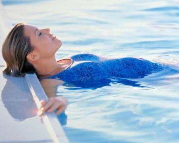 8 Manfaat Berenang untuk Ibu Hamil