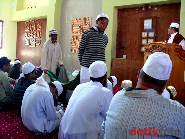 Citra Indonesia di Masjid Nurul Latief Afsel