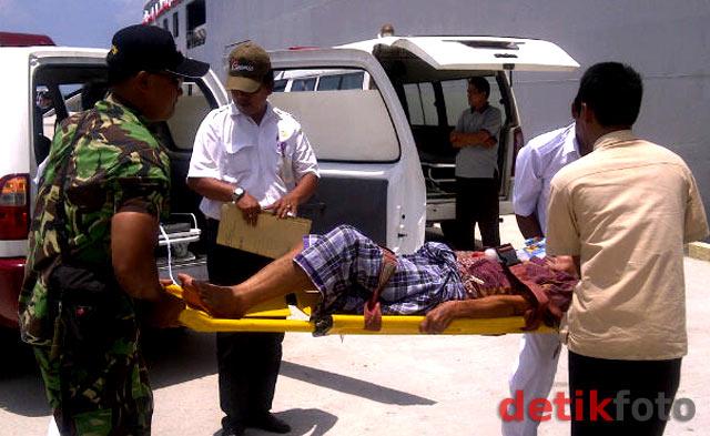 'RS Terapung' di Pantai Belitung Nan Tenang