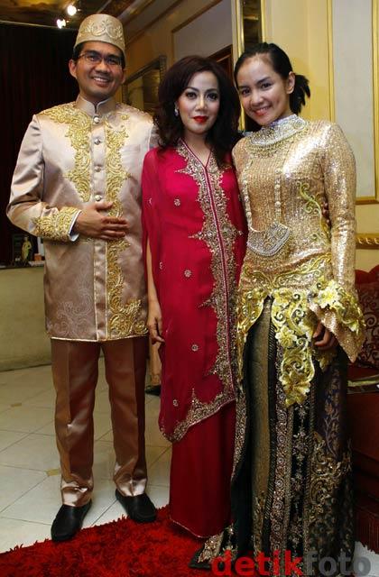 Ini Dia Gaun Pernikahan Intan Nuraini