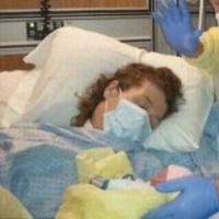 Meninggal Karena Tolak Kemoterapi Demi Selamatkan Bayi di Rahim