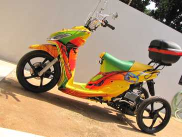 http://images.detik.com/content/2011/10/20/1212/tawang-in.jpg