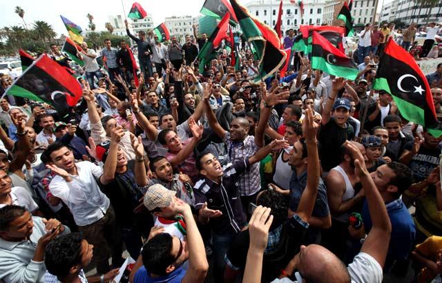 Rakyat Libya Rayakan Kematian Khadafi