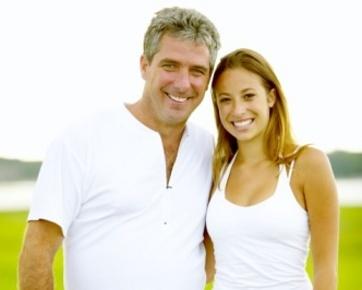 4 Alasan Jangan Pilih Suami Jauh Lebih Muda atau Tua