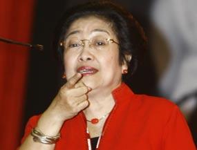 FOTO MEGAWATI PRESIDEN 2014 DIDUKUNG BUPATI CIREBON | Bupati Dedi Supardi mendukung Ketua Umum PDI Perjuangan Megawati
