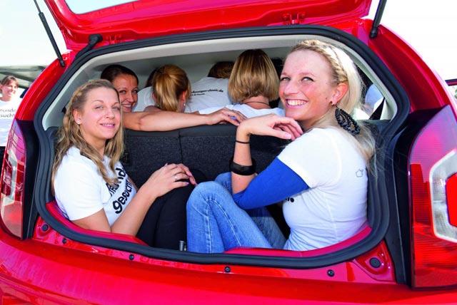 16 Orang Jejali VW up