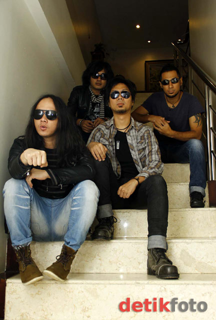 Super Band Konspirasi