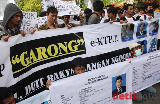 Aksi Usut Dugaan Korupsi Tender e-KTP